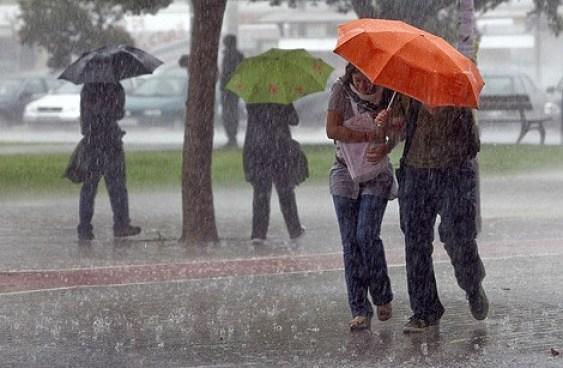 Onda tropical provocará lluvias en varias provincias del país.
