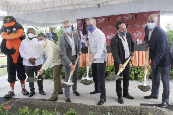 Los Orioles dan inicio a construcción de academia propia en el país