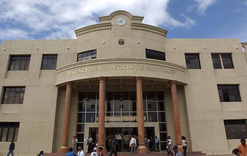 Tribunal dicta 20 años de prisión a hombre acusado de robar y abusar de una mujer