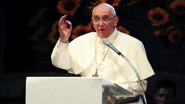 El papa dice que para mediar en Venezuela tienen que pedirlo las dos partes