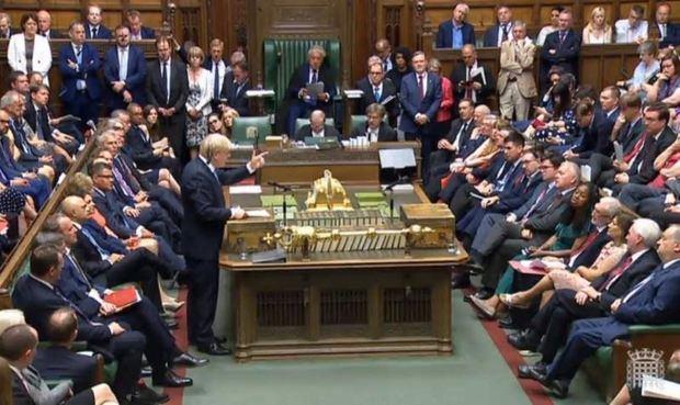 Más de 500.000 firmas impulsan debate sobre suspensión Parlamento británico