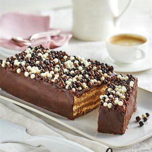 Pastel de galletas con cobertura de chocolate