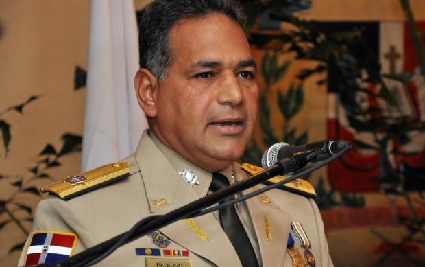 Ministro de Defensa coordina acciones en la frontera con otros organismos