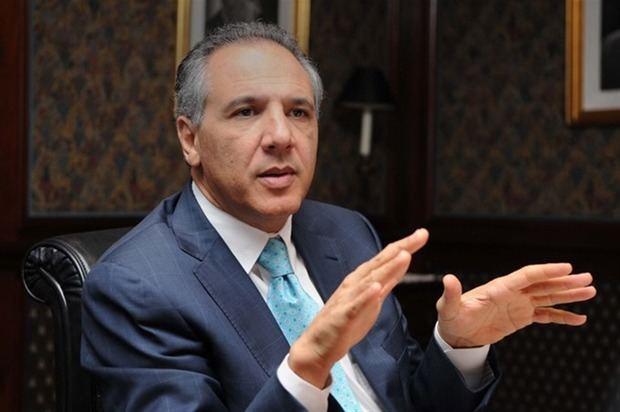 Peralta contesta a funcionarios contrarios a eventual reelección de Medina