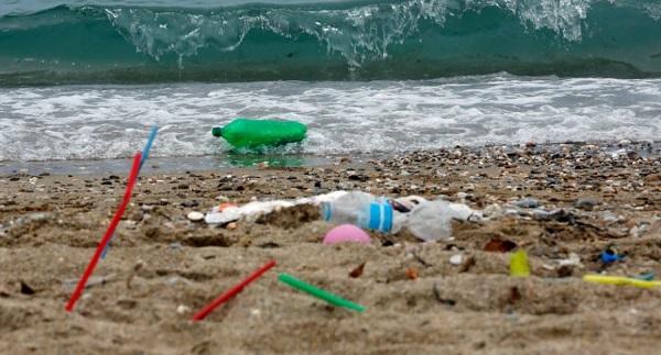 El reciclado de plástico no detendrá la contaminación marina, advierte ONG