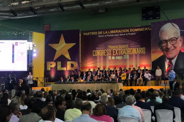 Medina y Fernández encabezan adecuación estatutos del PLD a ley de partidos