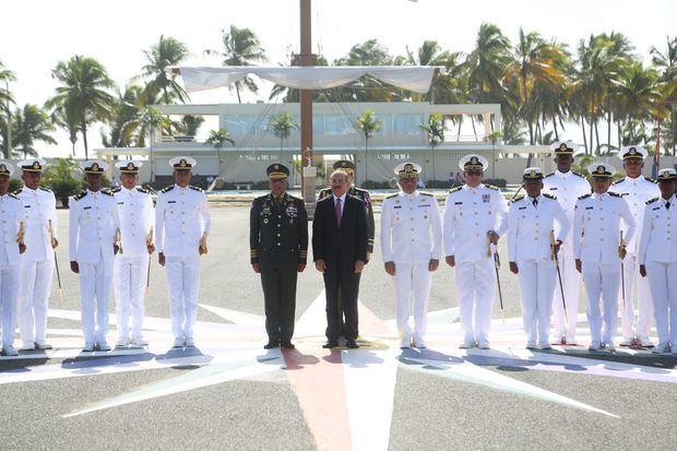 Presidente Danilo Medina encabeza acto LXVIIII Promoción Guardiamarinas 2015 - 2019