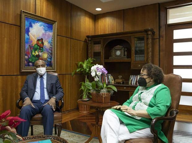 La procuradora Germán se reúne con el ministro de Energía y Minas