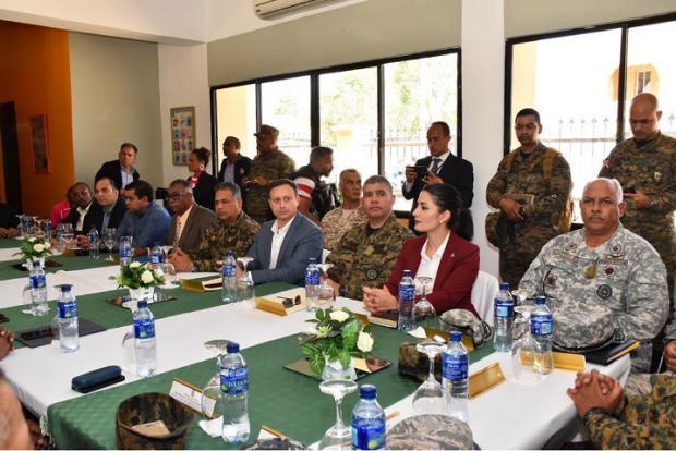 Procurador se reúne con fiscales y autoridades fronterizas del país