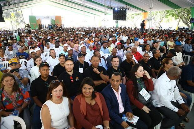 Productores beneficiados reconocen a presidente Danilo Medina, en 47 aniversario FEDA