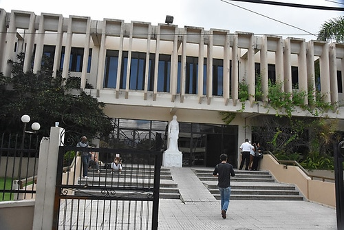 Detienen a un fiscal por agredir a su esposa en San Francisco de Macorís