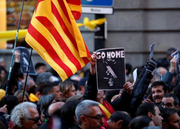 Ninguna institución política catalana recibe al Rey a su llegada al Palau