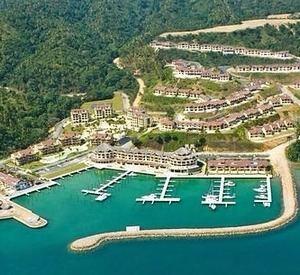 La cita tuvo lugar en Puerto Bahía, Samaná, en un evento que contó con las principales figuras turísticas del país.