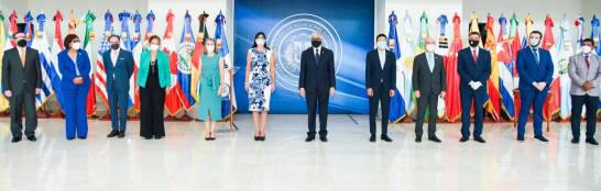 La puesta en circulación de los nuevos documentos tuvo lugar en el Centro de Convenciones del Ministerio de Relaciones Exteriores (Mirex).