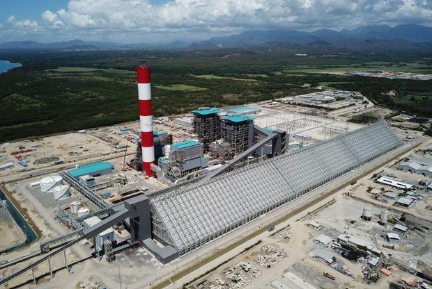 El presidente Medina inaugurará el miércoles la termoeléctrica Punta Catalina