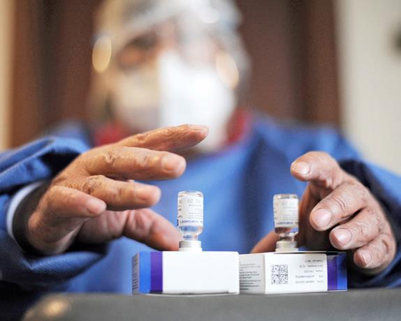 La vacunación sigue acelerando en el país y supera las 300,000 personas