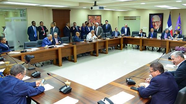 Comité Político del PLD trató dos temas electorales, dijo Pared Pérez