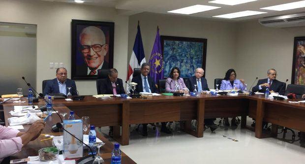 CP del PLD designa comisión para estudiar Ley de Partidos Políticos y Ley Electoral