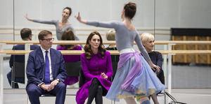 La Duquesa de Cambridge visita el Royal Opera House.