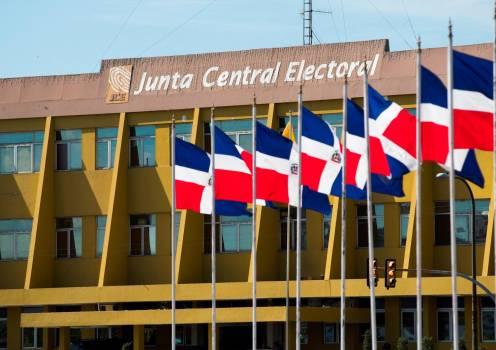Partidos de oposición cuestionan imparcialidad de la Junta Central Electoral