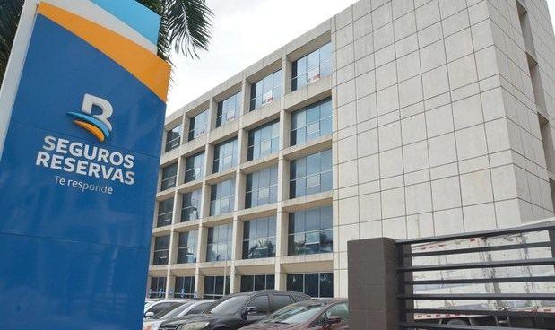 Seguros Reservas deja instalada Estación de Servicios en Ministerio de Medio Ambiente