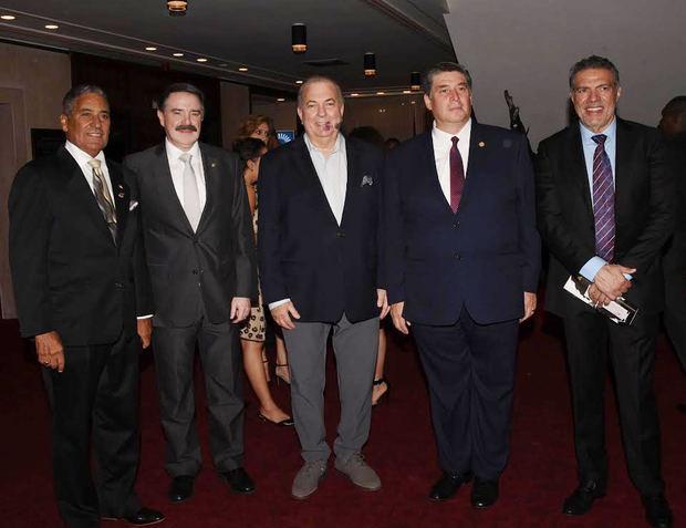 El ministro de Cultura, Arq. Eduardo Selman, participó en el primero de la temporada de conciertos 2019 de la Orquesta Sinfónica Nacional (OSN).