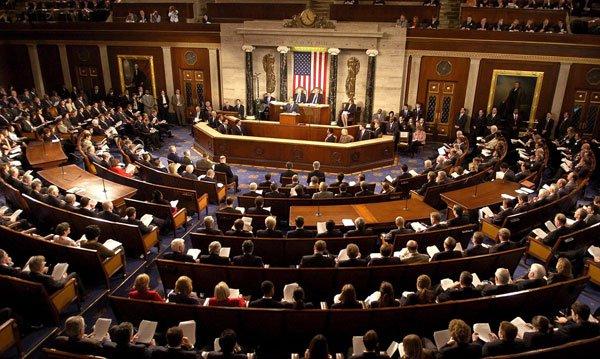 Senadores demócratas piden a Trump ley de Guerra Fría para Puerto Rico por María