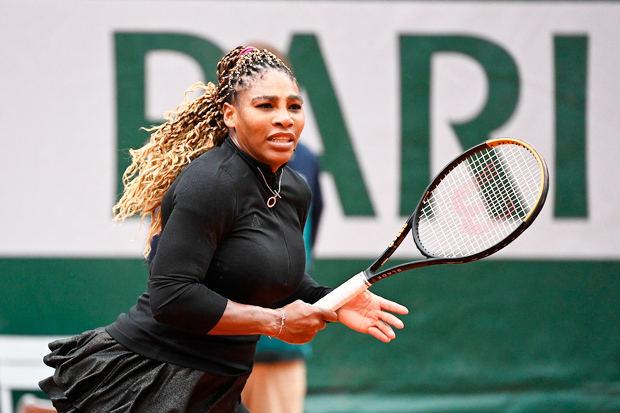 Serena Williams se retira del Abierto de Francia por lesión
