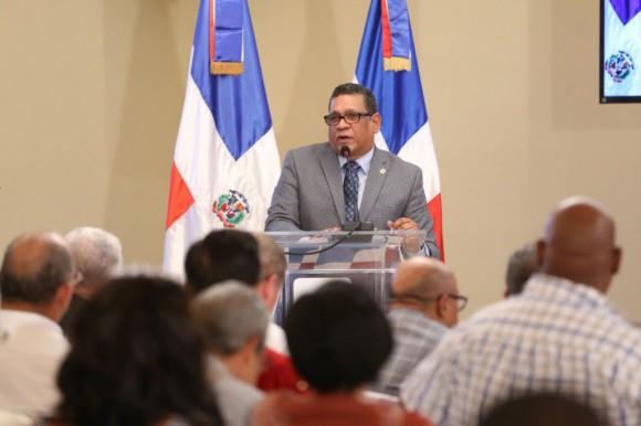 Azuanos piden a Maldonado apoyo para construir extensión de la UASD