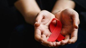 Claro y la Iniciativa mundial RED juntos por una generación libre de VIH.