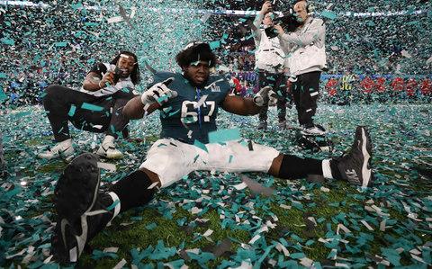 Eagles ganó el Super Bowl y convirtió las calles de Filadelfia en una fiesta