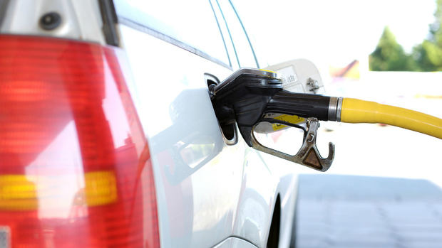 Suben ligeramente los precios de los combustibles a partir de este sábado