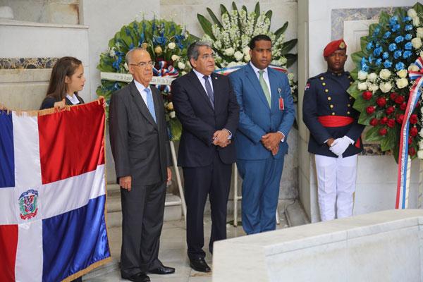 Tesorería Nacional celebra su 89 aniversario con misa y ofrenda floral