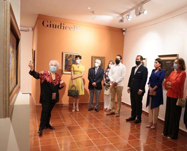 El recorrido estuvo encabezado por José Manuel Romero Decano del Cuerpo Consular y Cónsul Honorario de la República de Albania.