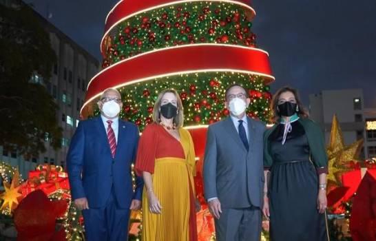 El Banco Central encendió su árbol de Navidad