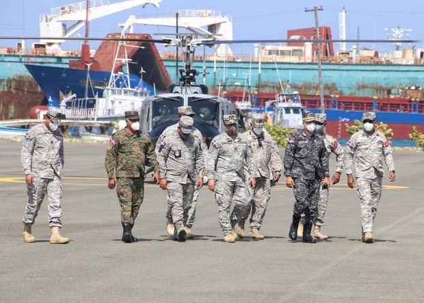 Comandante general de la Armada realizó un recorrido de supervisión por el comando naval