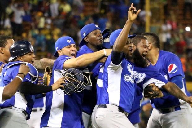 Los Tigres y los Gigantes se dividen la doble jornada en la liga dominicana