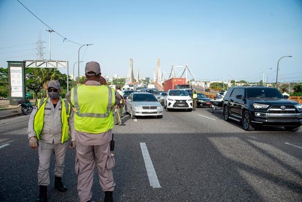 Agentes que vigilan cumplimiento del toque de queda volverán al patrullaje