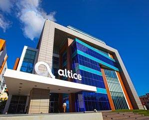 Altice Dominicana anunció la instalación de 100 puntos adicionales de internet inalámbrico (wifi) en diferentes lugares del país, gracias al acuerdo con el Estado para lograr el cierre de la brecha digital y el incremento del acceso al internet de los dominicanos.