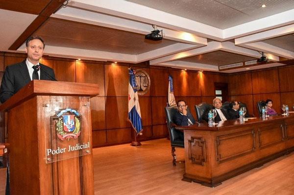 Lanzamiento de los tribunales móviles