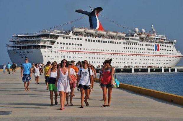 Humareda de vertedero en Puerto Plata impide arribo de cruceros
