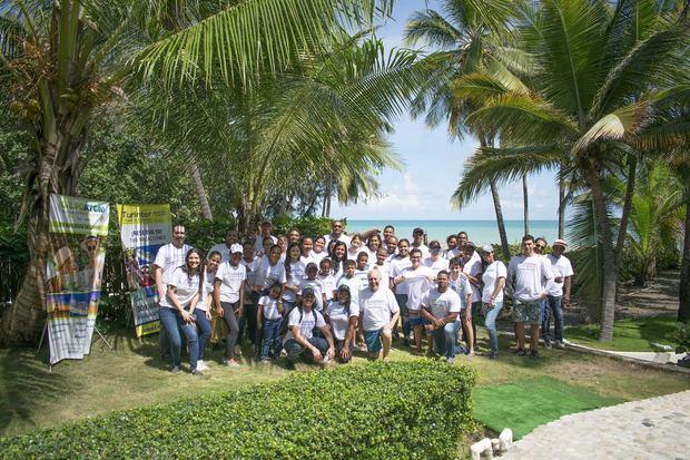 Turinter celebra el Mes de los Océanos con actividades por el cuidado del medio ambiente.