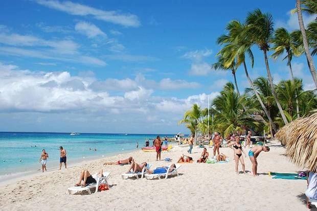 La llegada de turistas extranjeros a la República Dominicana, principal fuente de divisas del país, en los primeros diez meses del país.