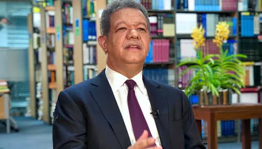 Fernández pide congelar precios de productos básicos y renegociar deuda