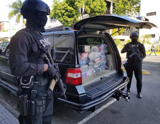 Decomisan presumible cocaína tras un tiroteo en Puerto Multimodal Caucedo.