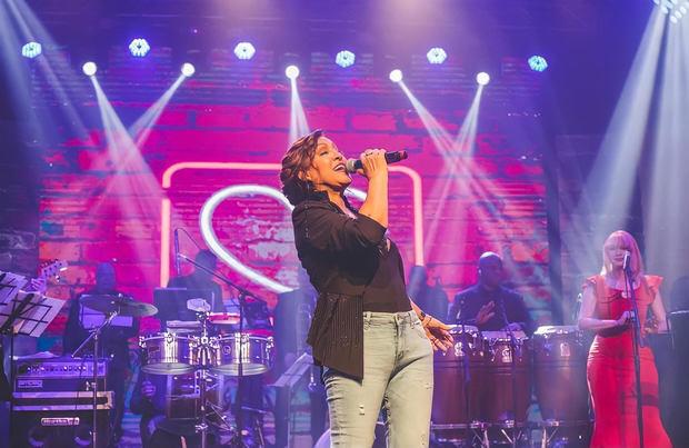 Milly Quezada deslumbra con un espectacular concierto
