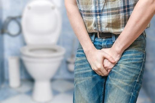 Las enfermedades de las vías urinarias afectan tanto a mujeres como a hombres
