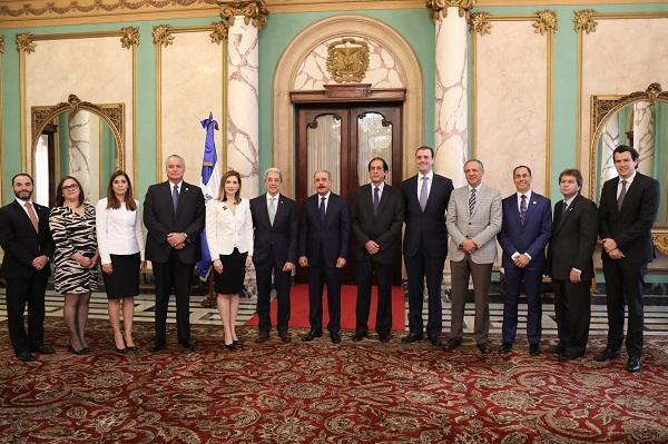 Danilo Medina recibió a directivos de la Asociación Dominicana de Exportadores