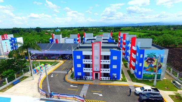 Mocanos reciben proyecto Villa Esperanza La Soledad