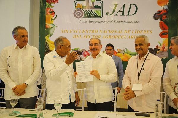 Danilo Medina asisten al XIX Encuentro Nacional Líderes Sector Agropecuario